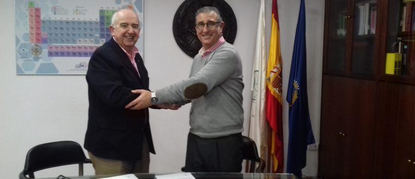 FIRMA DE CONVENIO ILUSTRE COLEGIO OFICIAL DE QUÍMICOS DE SEVILLA Y LA AGENCIA DE SEGUROS MIGUEL ANGEL PINEDA